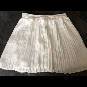 Pleated White Skirt. NWT!
